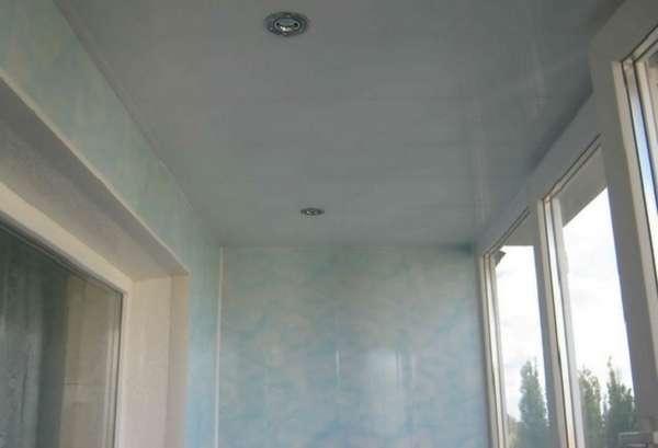 Как сделать пластиковый потолок - от выбора материала до фин.